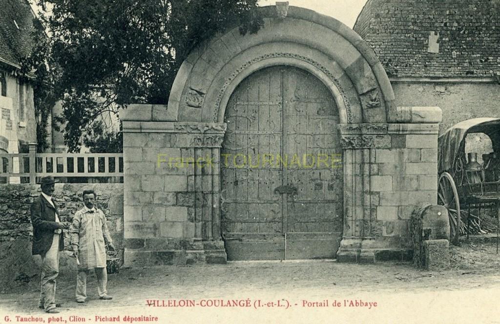 Portail de Coulangé à Villeloin en 1907